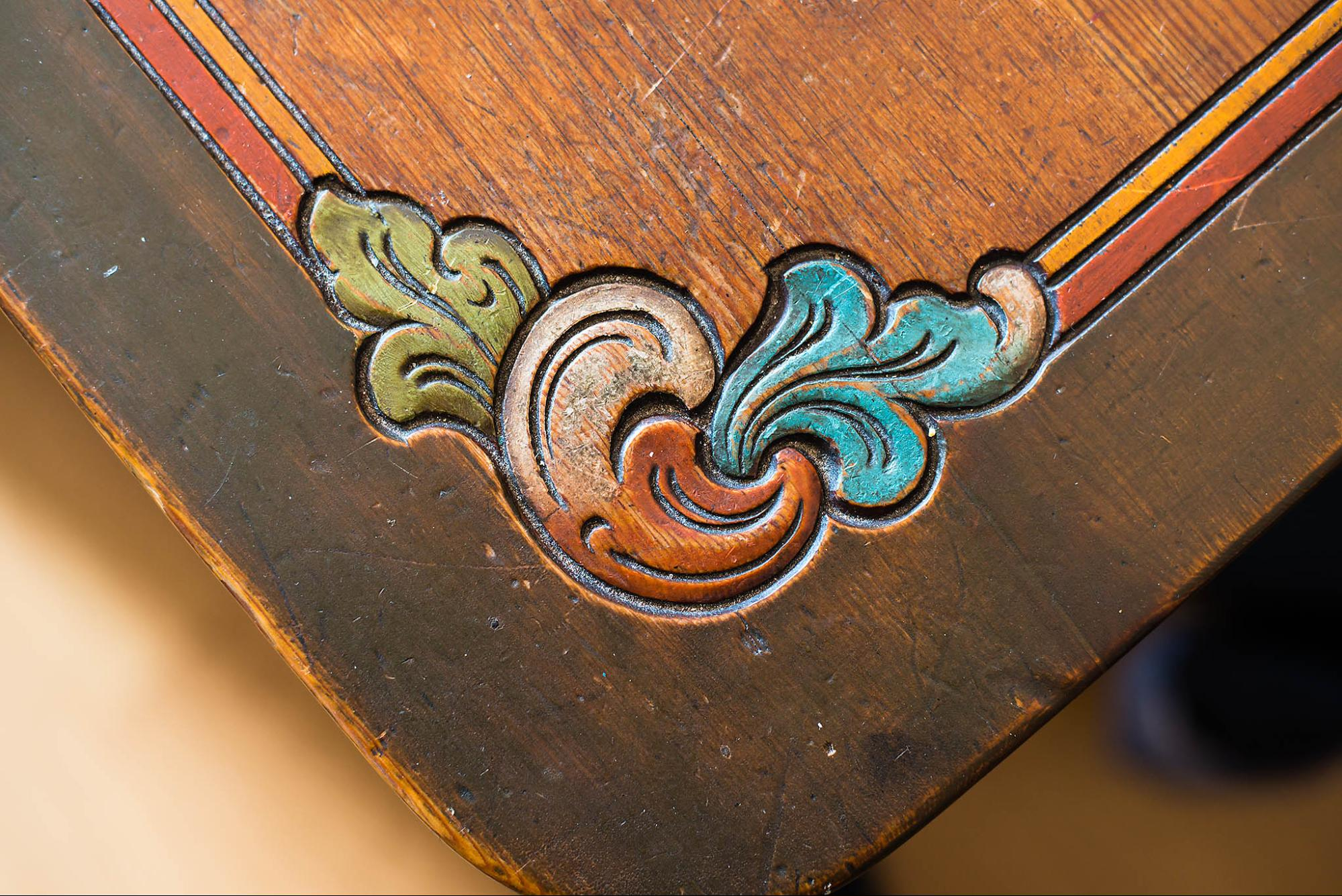 Rosemaling / The art of flower-decorative painting